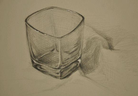 素描底身玻璃杯的赏析