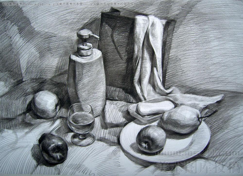 素描静物之洗发水,香皂,水果,纸袋子,毛巾等等