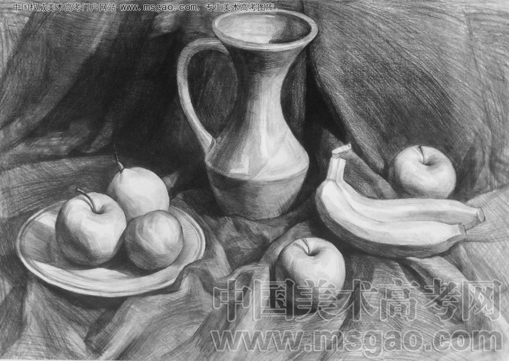 素描水壶与盘子加水果的静物